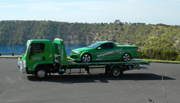 towing all cars, sedans, utes, wrecks, salvaged vehicles